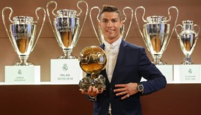 photo-diffusee-12-decembre-2016-equipe-cristiano-ronaldo-4e-ballon-orla-remise-trophee-france-football-madrid_0_600_371
